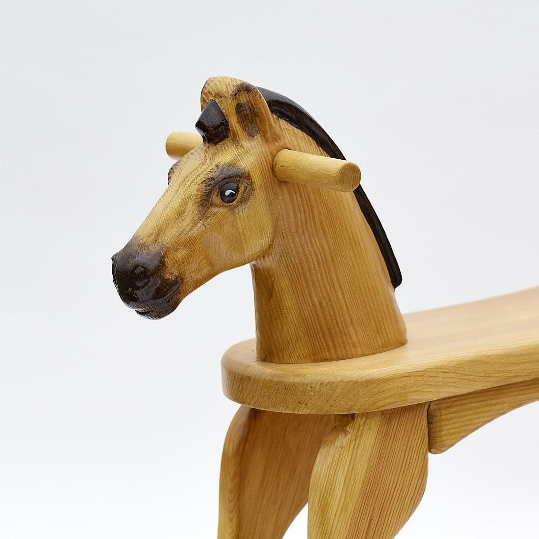 Dřevěný houpací koník v barevném provedení plavák, hlava
