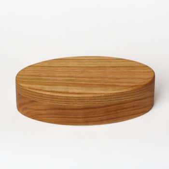 Une boîte à bijou en bois de cerisier